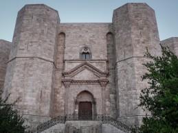 """Castel del Monte, Marmo: """"Aqp chiude i rubinetti dell'unica fontana. Un pessimo biglietto da visita"""""""