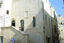 Trani – Firma convenzione per concessione Sinagoga Scolanova