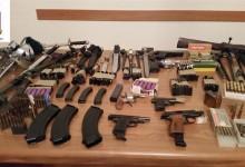 Andria – 61enne incensurato deteneva abusivamente munizioni e armi da guerra: arrestato