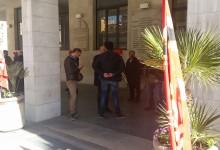 """Barletta – Lavoratori """"Pul Service S.r.l."""": sciopero e sit-in davanti al Comune"""