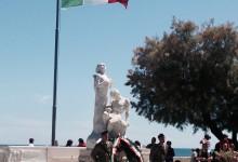 Trani – Festa della Repubblica in villa con l'alzabandiera