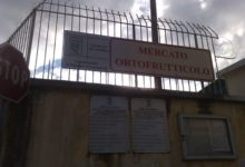Andria – Disposta la chiusura del mercato ortofrutticolo e del cimitero