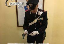 Bisceglie – In sella al motorino armati di pistola. I carabinieri arrestano un 22enne e denunciano un 14enne per detenzione illegale di armi