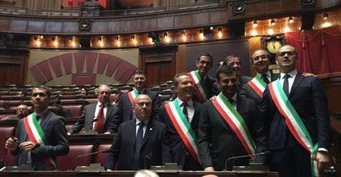 Camera dei deputati anche i sindaci della bat a confronto for Camera deputati live