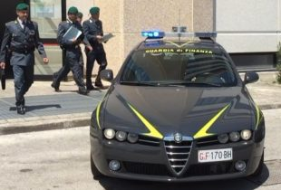 Andria – Hashish e marijuana nel centro storico. Arrestato spacciatore dalla Guardia di Finanza