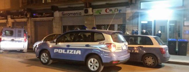 Andria – Pattuglie e unità cinofila sotto un condominio in Viale Venezia Giulia – FOTO