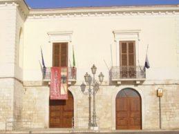 Trani – Consiglio comunale, caso Barresi-Bottaro: la maggioranza lascia l'aula
