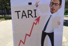 Trani – CONTESTA-TARI ha portato in piazza il dissenso per la gestione dei rifiuti