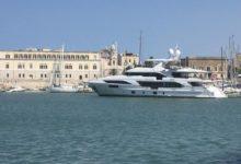 """Trani – Nel porto c'è """"Chrimi III"""", un mega yacht lungo 40 metri costruito in Italia"""