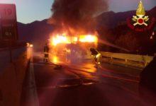 Bus prende fuoco in Irpinia, tutti salvi i componenti della banda musicale di Gioia del Colle