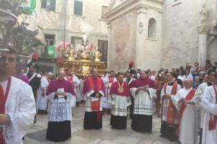VIDEO. Bisceglie  La processione dei santi patroni