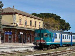 """Tratta ferroviaria Barletta-Canosa-Spinazzola. Di Bari (M5S): """"No al trasporto rifiuti con la scusa di un fantomatico polo innovativo"""""""