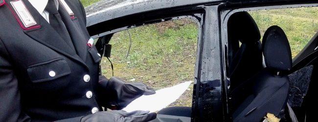 Andria – Troppo intento a sezionare l'auto rubata, non si accorge dei carabinieri. Arrestato