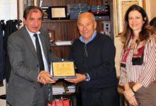 Barletta – Incontro tra il sindaco Cascella e il ciclista Capodivento