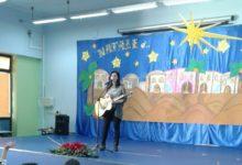 Andria – VIII Circolo Rosmini: la cantante Erica Mou canta per i bimbi andriesi. FOTO GALLERY
