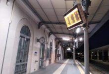Trani – Stazione, anziano tenta di addescare una bambina di 12 anni. I carabinieri lo cercano