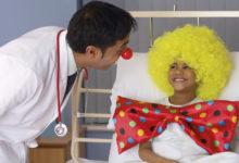 Clownterapia: è legge la proposta del M5S, prima firmataria Grazia Di Bari