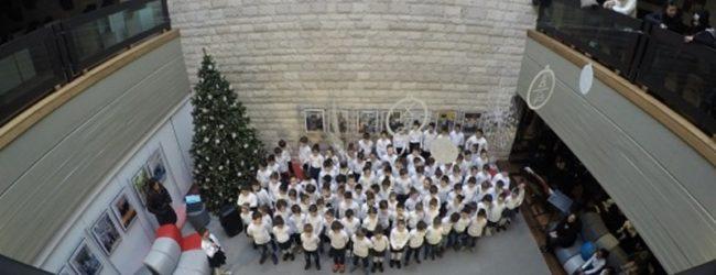 """Trani – Natale: il coro degli alunni della D'Annunzio """"in canto"""""""