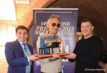 """Premio Mediterraneo 2018: delegazione """"Inter Club Andria"""" premia Bocelli"""