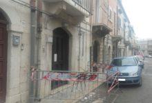 Andria – Cede parte di un balcone in via Crocifisso: nessun ferito. FOTO