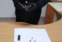 Corato – Andava a spasso armato con gli amici: arrestato 19enne per porto illegale di pistola