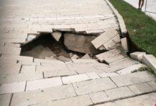 Andria – Si apre un'enorme voragine in Largo Grotte: nessun ferito