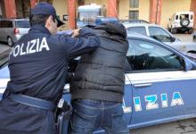 Barletta – Si ferma all'alt della Polizia, ma abbandona il mezzo e fugge: arrestato rumeno