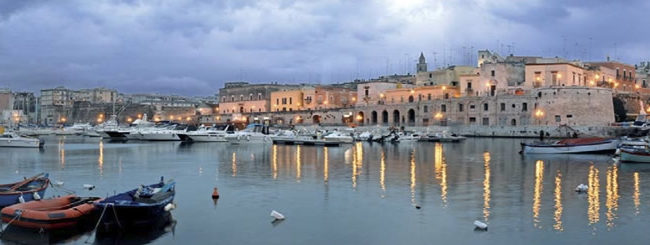"""Bisceglie – Presentazione libro """"Cronache dal porto di Bisceglie""""di Luca De Ceglia e Massimo Ingravalle"""