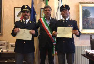Barletta – Encomi per due agenti del commissariato di polizia. Hanno salvato la vita ad un ragazzo