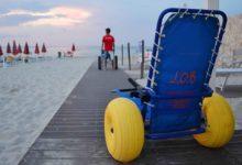 """Barletta – Diversamente abili in spiaggia: domani tre """"sedie Job"""" donate dall'Amministrazione comunale"""