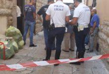 Andria – Dramma della solitudine, anziano trovato morto nella sua abitazione in via Nizza. Sul posto la Polizia Locale. FOTO