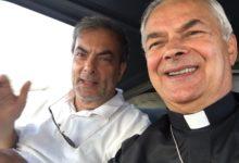 """Molfetta – Sindaco e Vescovo in volo per """"salutare"""" la città dall'alto"""