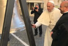 Trani – Nuova chiesa San Magno: papa Francesco benedice le campane. Le FOTO