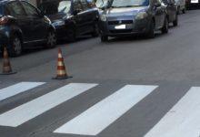 Trani – Rifatte le strisce longitudinali e pedonali, installati anche segnali luminosi in via Superga