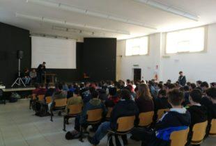 """Andria – Orientamento universitario all'ITIS """"Jannuzzi"""" con l'Ass. culturale Avv. Gaetano Scamarcio"""