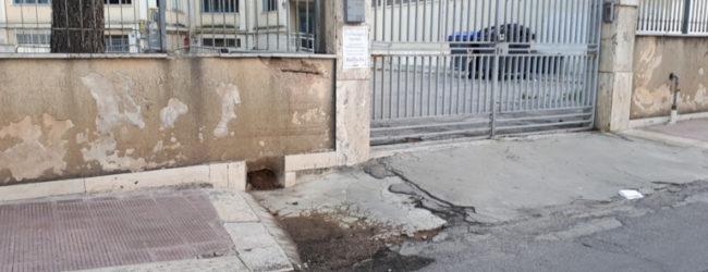 """Andria – """"Quando le istituzioni diseducano: lo scempio urbano davanti alla scuola VIII Gruppo"""". La nota di Montaruli (Quartiere Europa). FOTO"""