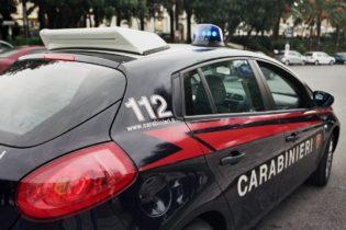 Andria – Sezionavano auto rubate in una cava: arrestati due andriesi. Il VIDEO.
