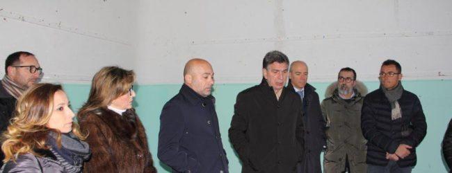 """Barletta – Rifunzionalizzazione e messa in sicurezza della scuola """"D'Azeglio"""", consegnati i lavori"""