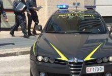 """Operazione """"Golden brand"""": oltre 700mila prodotti contraffatti sequestrati anche a Barletta"""