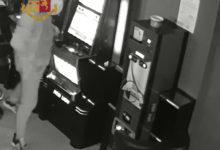 Barletta – Perde alle slot machine. Minaccia i gestori e si fa consegnare i soldi persi. Arrestato