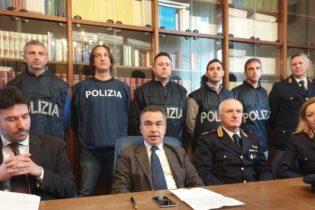 TRANI – Polizia, Rapine a furgoni portavalori: fermate 5 persone. VIDEO