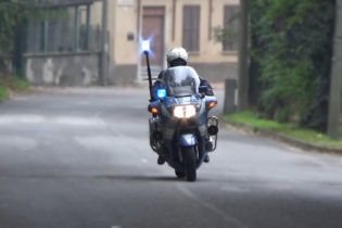 La Polizia recupera in sole due ore una moto asportata a due turisti tedeschi