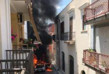 Andria – Furgone in fiamme in Via Addis Abeba: spavento tra i residenti. VIDEO