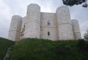 Bat – Riaprono i luoghi della cultura: il 1° luglio Castel del Monte e il 1° settembre il Castello di Trani