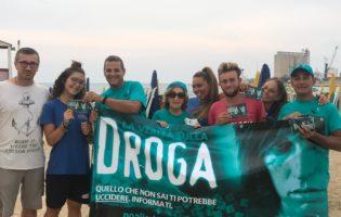 """""""Dico NO alla droga"""": la prevenzione """"passeggia"""" per le strade di Barletta. FOTO"""