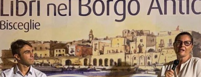 Bisceglie – Libri nel borgo antico: batmagazine a colloquio con gli scrittori De Cristofaro e Coropulis