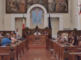 Andria – Niente mensa scolastica prima di gennaio 2020: il tavolo istituzionale si conclude in un nulla di fatto. VIDEO e FOTO