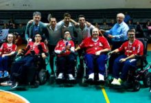 """Bat – I ragazzi della """"oltre sport"""" festeggiano il titolo di campioni italiani di powerchair football (calcio in carrozzina elettronica)"""