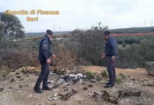 Andria – Sorpreso a sversare 30 tonnellate di rifiuti speciali in un terreno: discarica abusiva sequestrata dalla Guardia di Finanza. VIDEO