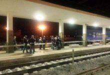 Trani –  Impatto treno merci: macchinista giura di aver visto qualcuno in bicicletta attraversare i binari